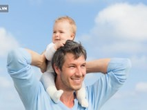 Thay vì con gái, ông bố để lại hết tài sản cho người giúp việc, biết lý do ai cũng ủng hộ