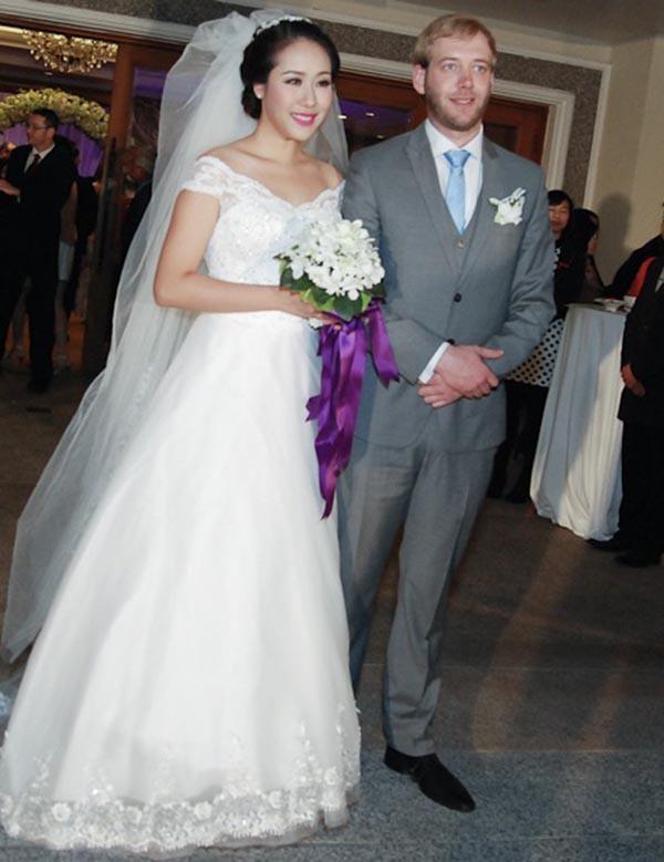 Hoa hậu gia thế khủng nhất Việt Nam - Ngô Phương Lan đã hạ sinh con đầu lòng sau 6 năm đám cưới-2