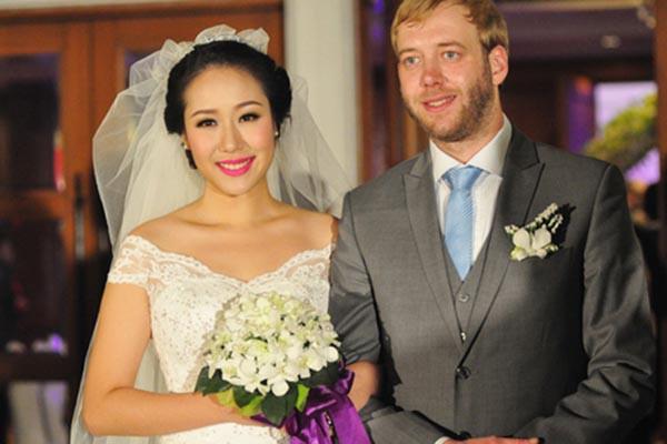 Hoa hậu gia thế khủng nhất Việt Nam - Ngô Phương Lan đã hạ sinh con đầu lòng sau 6 năm đám cưới-3