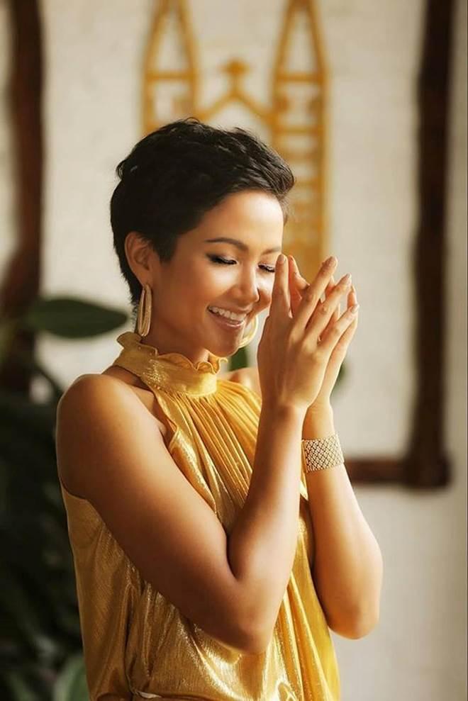 Dù là Hoa hậu đẹp nhất thế giới, HHen Niê cũng từng đầu hàng với những kiểu tóc này-10