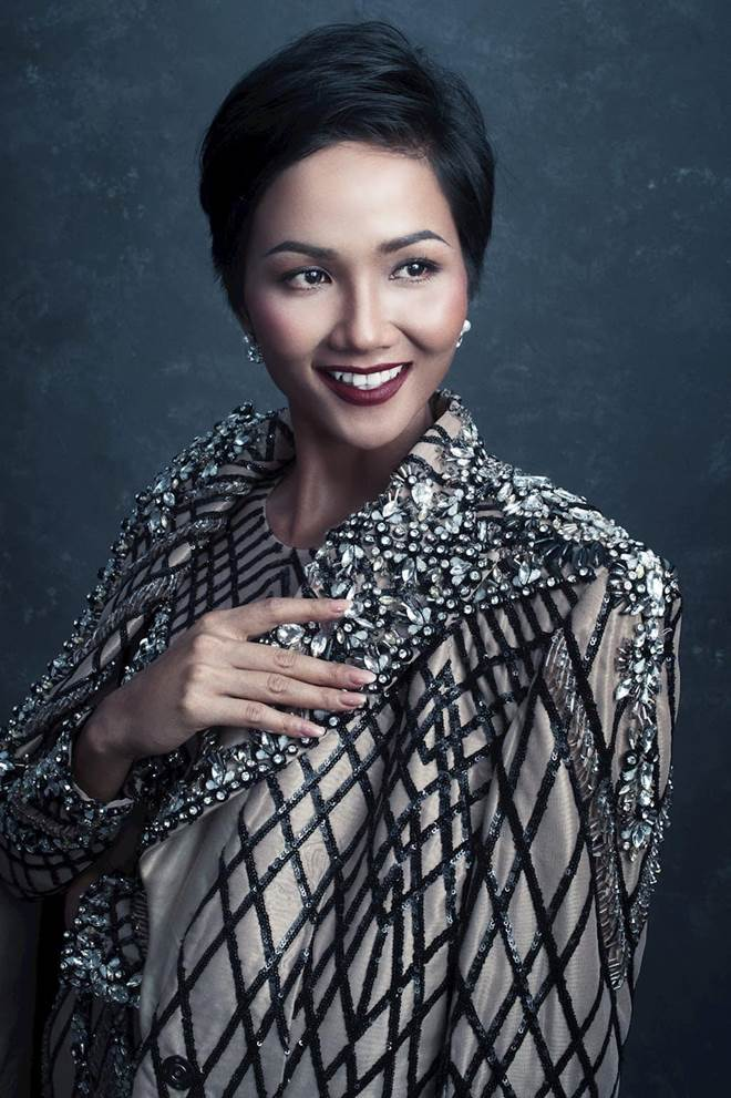 Dù là Hoa hậu đẹp nhất thế giới, HHen Niê cũng từng đầu hàng với những kiểu tóc này-13