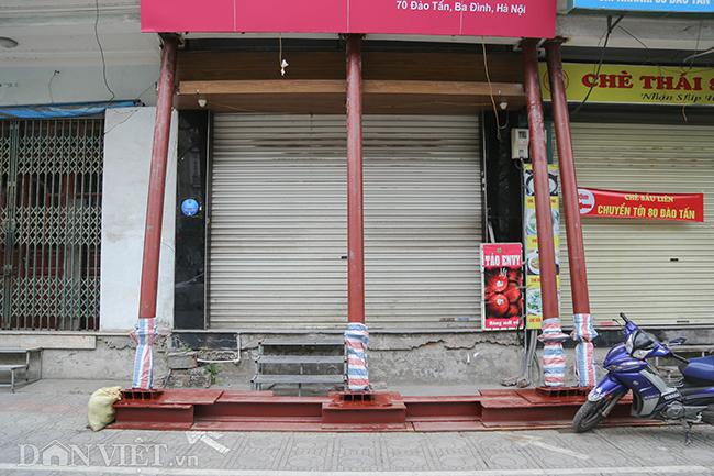Hà Nội: Nhà trên phố Đào Tấn đồng loạt... chống nạng-3