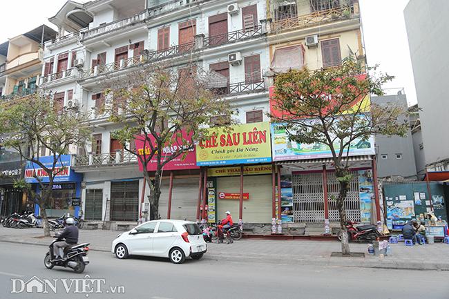 Hà Nội: Nhà trên phố Đào Tấn đồng loạt... chống nạng-1
