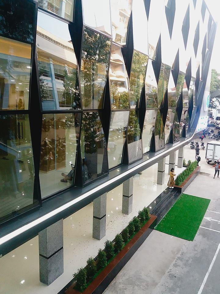 Xuất hiện thư viện siêu sang chảnh ngay tại Việt Nam với thiết kế lung linh như trung tâm thương mại-1