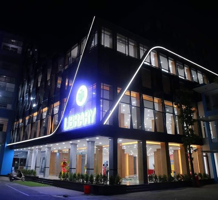 Xuất hiện thư viện siêu sang chảnh ngay tại Việt Nam với thiết kế lung linh như trung tâm thương mại-3