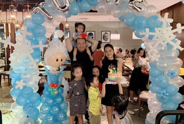 Phạm Quỳnh Anh bất ngờ tái hợp chồng cũ, cười tươi bên 2 con như chưa từng chia ly-3