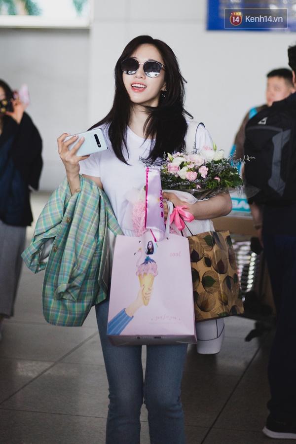 Eunjung (T-ara) khoe body nuột dù mặc giản dị tại sân bay Tân Sơn Nhất, nhưng gây chú ý hơn là thái độ của fan Việt-4