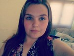 Bé gái bị bỏ rơi trong căn nhà ngập rác, gián, không biết nói và giao tiếp xã hội-5