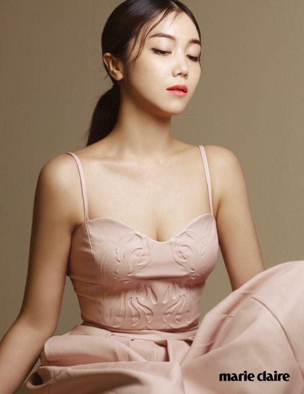 Tiểu tam tin đồn mới trong vụ ồn ào Song Song: Cô dâu Hà Nội gây sốc vì cảnh nóng, trải qua 2 mối tình chóng vánh-4
