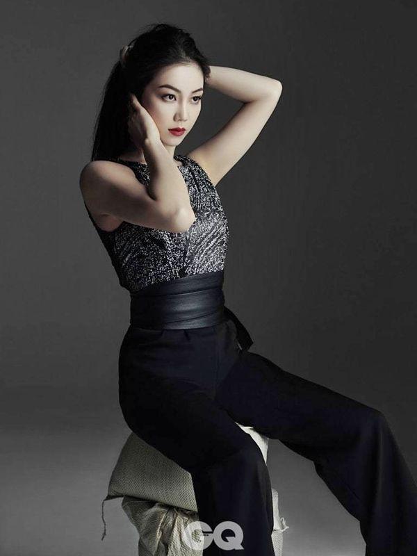 Tiểu tam tin đồn mới trong vụ ồn ào Song Song: Cô dâu Hà Nội gây sốc vì cảnh nóng, trải qua 2 mối tình chóng vánh-16