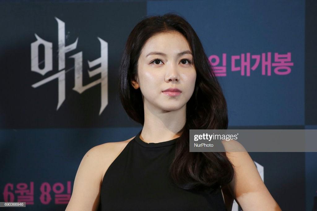 Tiểu tam tin đồn mới trong vụ ồn ào Song Song: Cô dâu Hà Nội gây sốc vì cảnh nóng, trải qua 2 mối tình chóng vánh-20