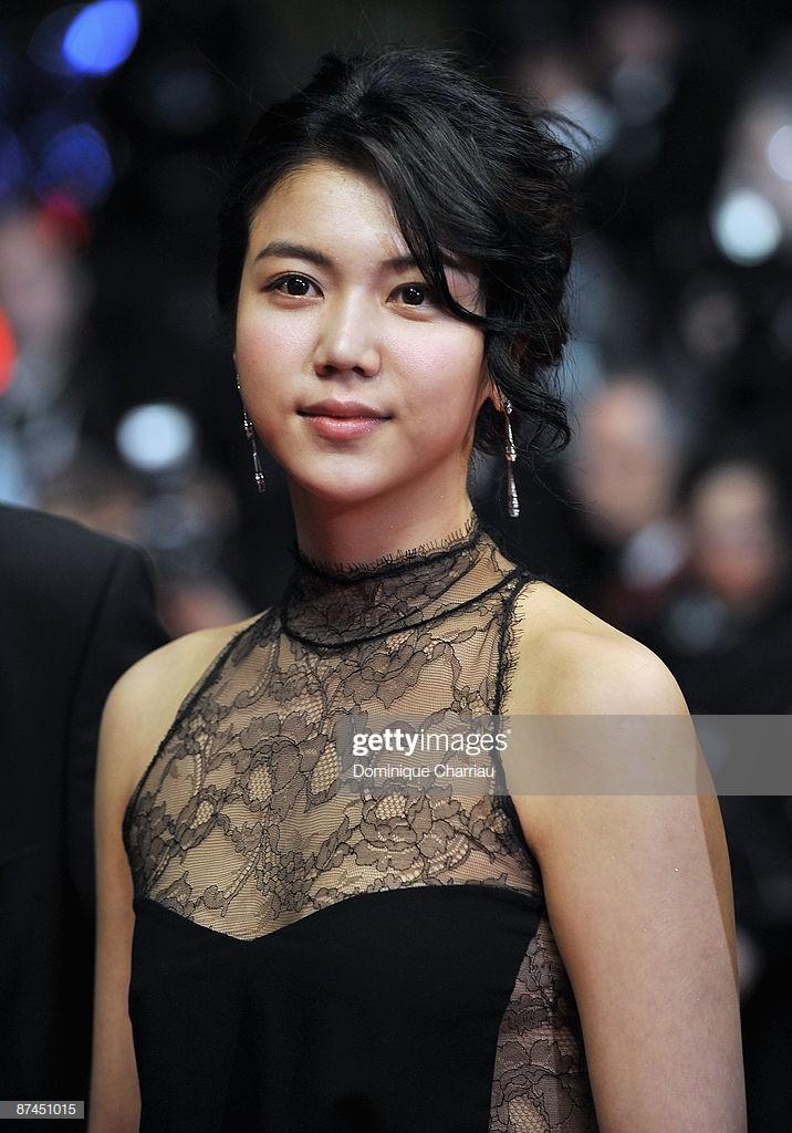 Tiểu tam tin đồn mới trong vụ ồn ào Song Song: Cô dâu Hà Nội gây sốc vì cảnh nóng, trải qua 2 mối tình chóng vánh-19