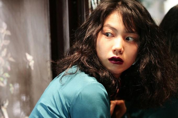 Tiểu tam tin đồn mới trong vụ ồn ào Song Song: Cô dâu Hà Nội gây sốc vì cảnh nóng, trải qua 2 mối tình chóng vánh-10