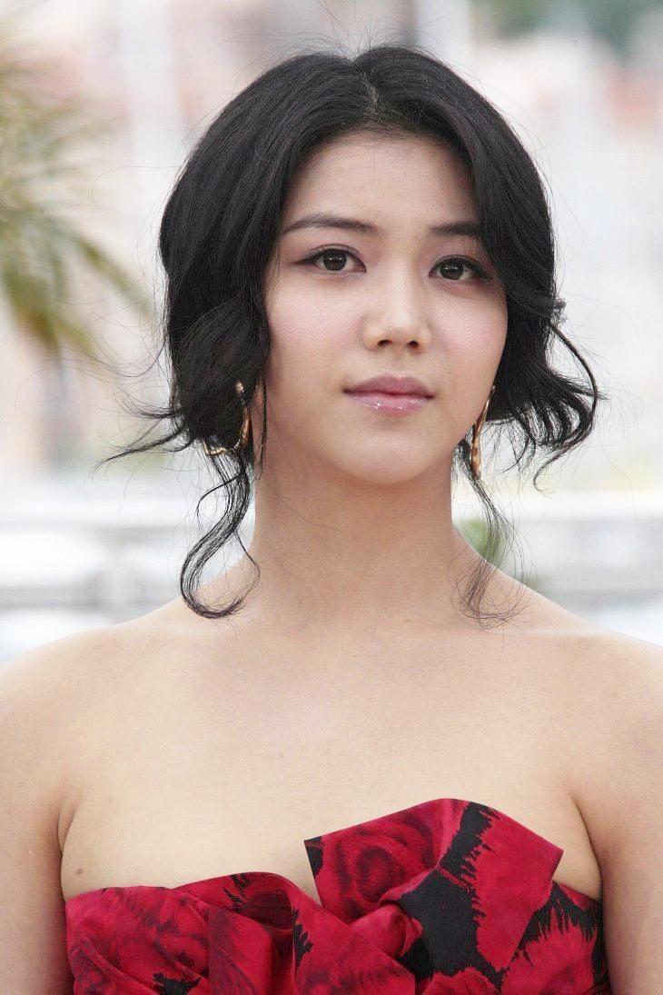 Tiểu tam tin đồn mới trong vụ ồn ào Song Song: Cô dâu Hà Nội gây sốc vì cảnh nóng, trải qua 2 mối tình chóng vánh-21