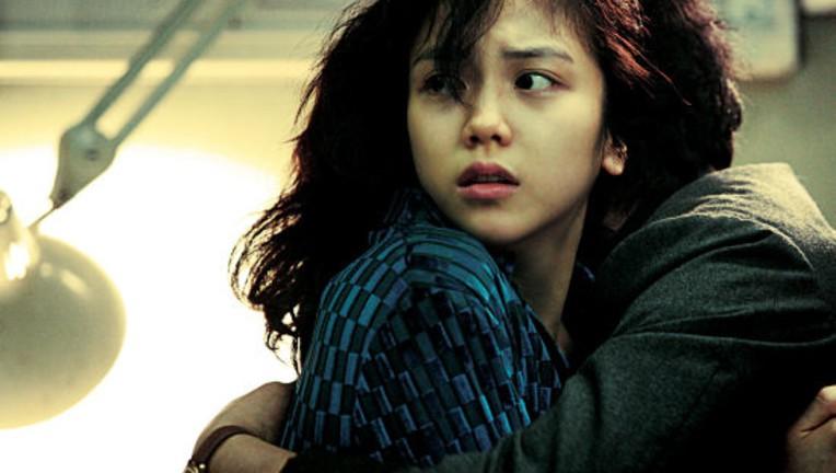 Tiểu tam tin đồn mới trong vụ ồn ào Song Song: Cô dâu Hà Nội gây sốc vì cảnh nóng, trải qua 2 mối tình chóng vánh-9