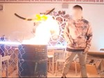 Vụ rapper bị tố vào trường Ams đốt sách vở: Con trai tổ trưởng tổ bảo vệ là người đưa ekip quay MV vào phòng học-1