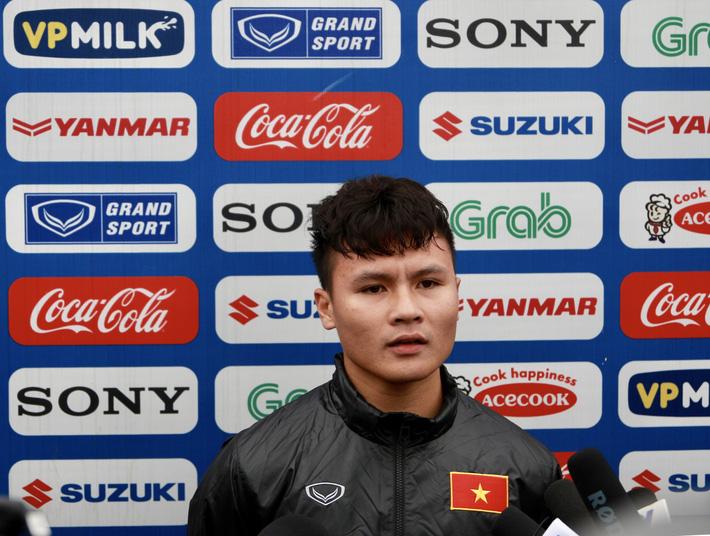 HLV Park Hang Seo đang chơi chiêu với Quang Hải?-3