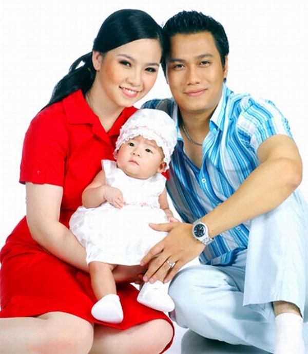 Đường tình trắc trở của diễn viên Việt Anh: Hai người vợ trái ngược tính cách và những nghi vấn tình ái với mỹ nhân showbiz Việt-1