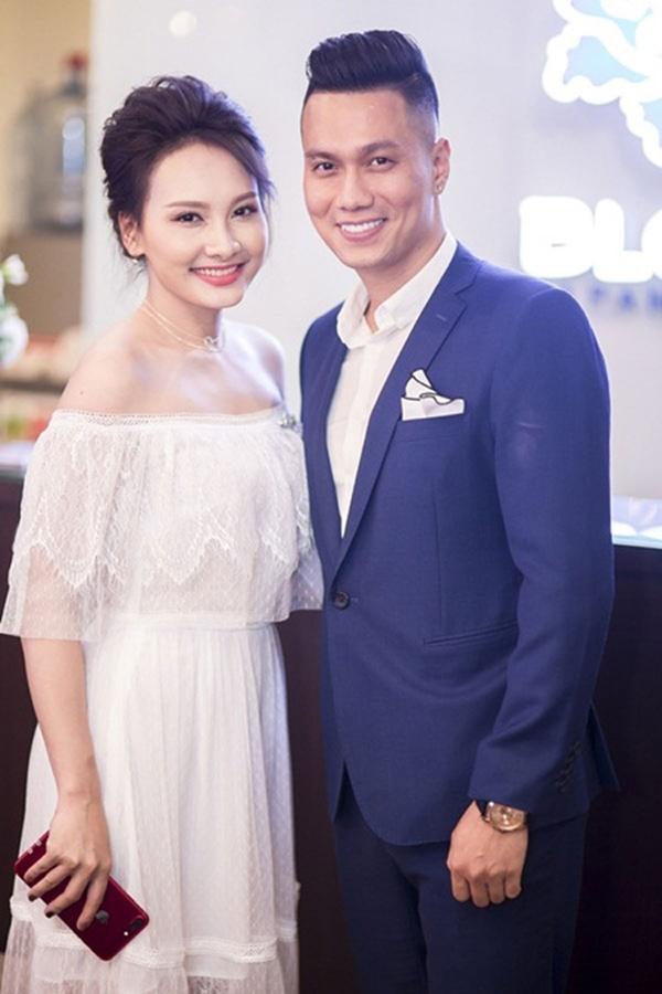 Đường tình trắc trở của diễn viên Việt Anh: Hai người vợ trái ngược tính cách và những nghi vấn tình ái với mỹ nhân showbiz Việt-5