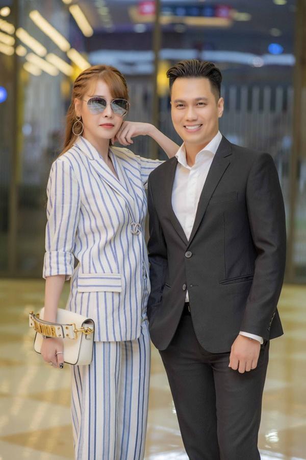 Đường tình trắc trở của diễn viên Việt Anh: Hai người vợ trái ngược tính cách và những nghi vấn tình ái với mỹ nhân showbiz Việt-7
