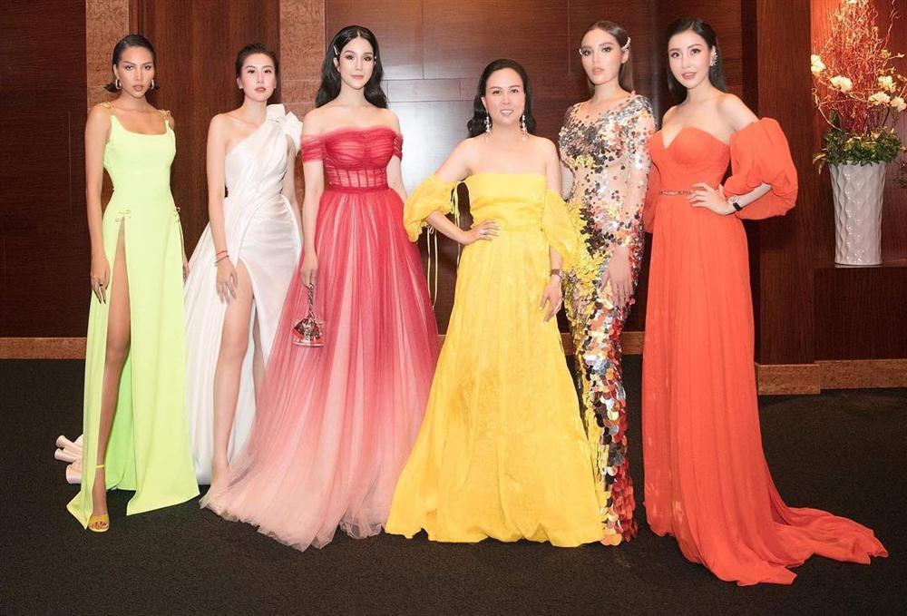 KHÔNG THỂ TIN NỔI: Phượng Chanel diện đầm dạ hội 100 triệu mà bèo nhèo chẳng khác nào váy second hand-6