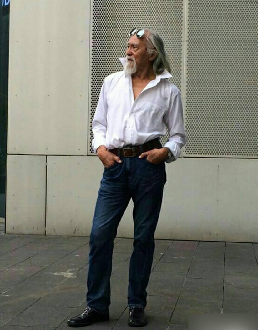 Nam thần tuổi 83: Tự lái xe, đóng cảnh hành động, làm người mẫu-5
