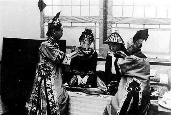 Ảnh hiếm về cách tổ chức hôn lễ của một gia đình quý tộc Trung Quốc thời nhà Thanh-8