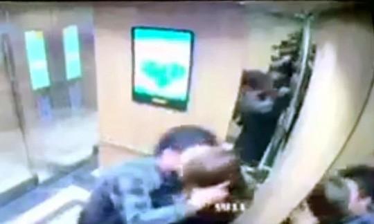 Nữ sinh viên bị cưỡng hôn trong thang máy lên tiếng sau khi làm việc với công an-1