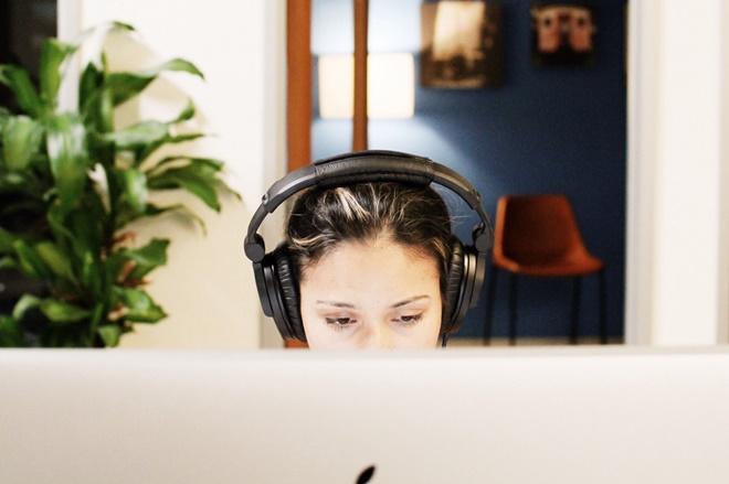 Nhiều trường hợp bị điếc đột ngột chỉ vì làm điều này trước khi ngủ, không sửa ngay còn có nguy cơ mất thính giác vĩnh viễn-4