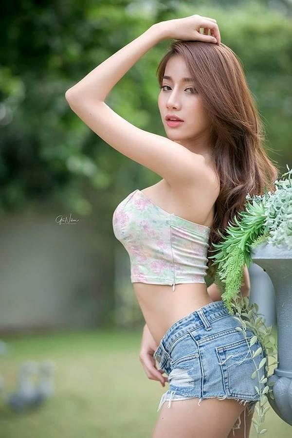 Vẻ sexy chết người của 'nữ thần nội y' Thái Lan-7
