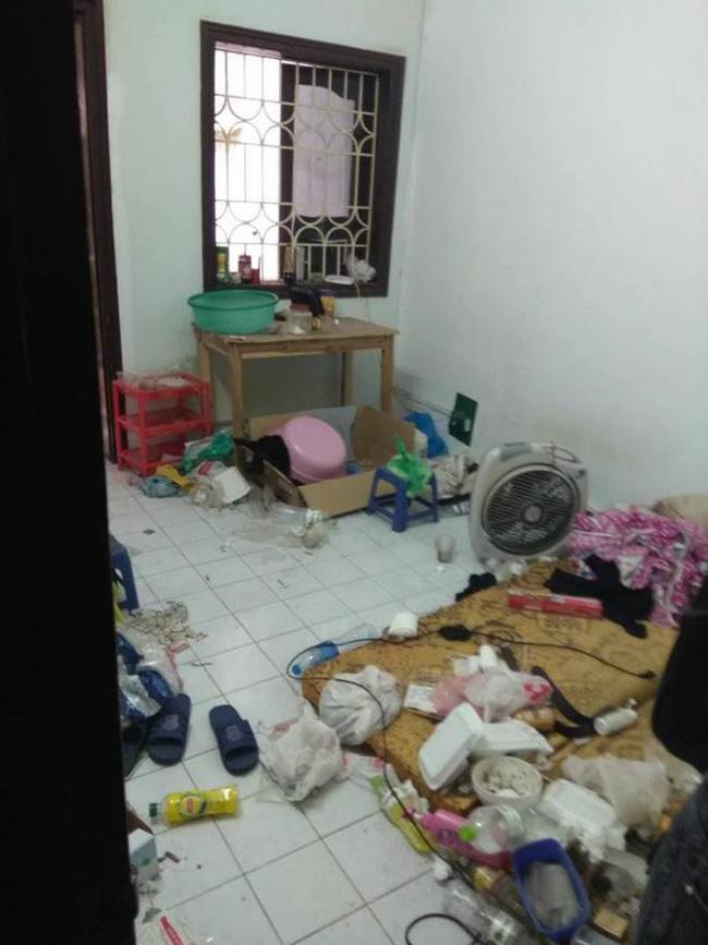Nhân viên bảo dưỡng điều hòa khóc thét khi đến nhà khách mà tưởng sa nhầm bãi rác, nhìn lọc gió điều hòa mà suýt ngất-7