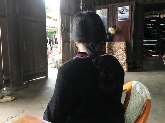 Vụ nữ sinh lớp 10 bị xâm hại tình dục, quay clip tung lên mạng: Mẹ nữ sinh tiết lộ thông tin sốc-1