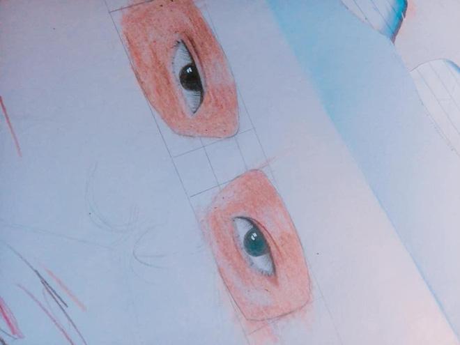 Nam sinh chăm chú nhìn lên bảng và đôi mắt kính che giấu toàn bộ sự thật-3