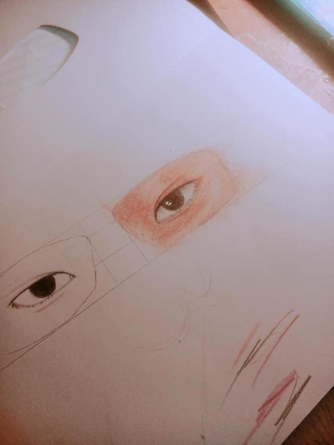 Nam sinh chăm chú nhìn lên bảng và đôi mắt kính che giấu toàn bộ sự thật-4