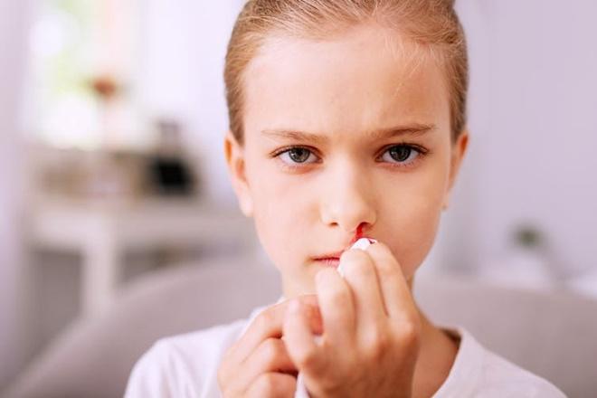 Cô bé 16 tuổi mắc bệnh ung thư vòm họng chỉ vì sống trong môi trường quá độc hại-1