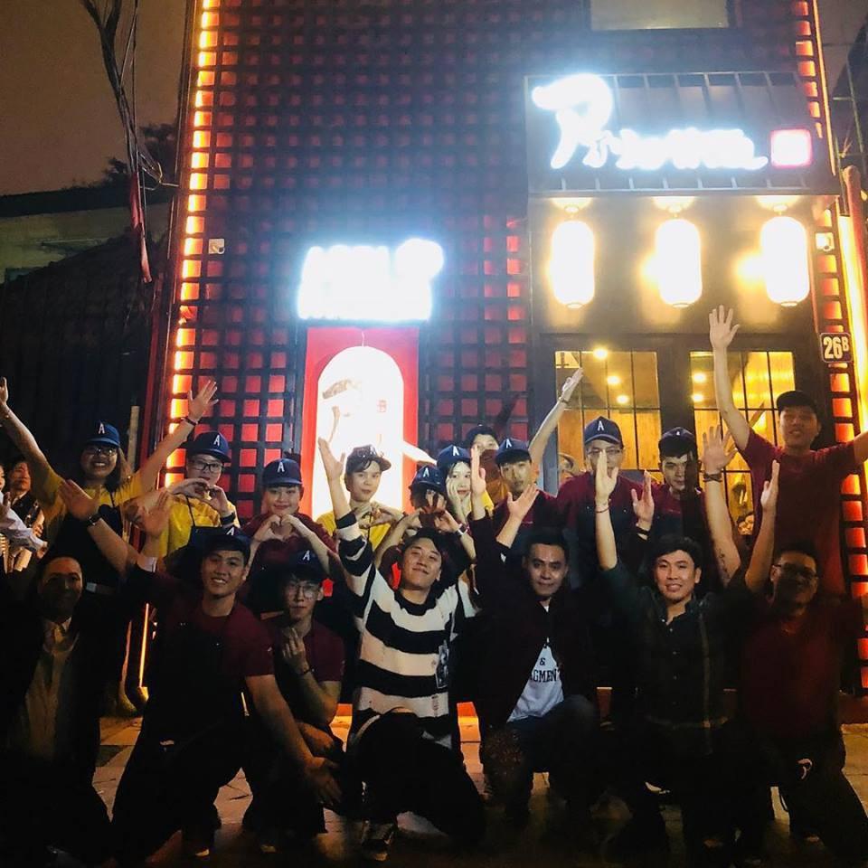 4 lần tới Việt Nam, Seungri không quẩy bar hết mình thì cũng lộ ảnh hút bóng cười gây sốc-19