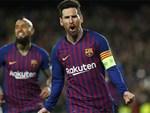 Dân mạng kêu gào sau màn trình diễn thần thánh của Messi: Anh và Ronaldo xin đừng bắt chúng tôi phải so sánh ai giỏi hơn nữa!-7