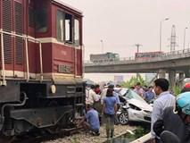 Tàu đâm ô tô khiến 5 người thương vong: Các nạn nhân đều có quan hệ họ hàng