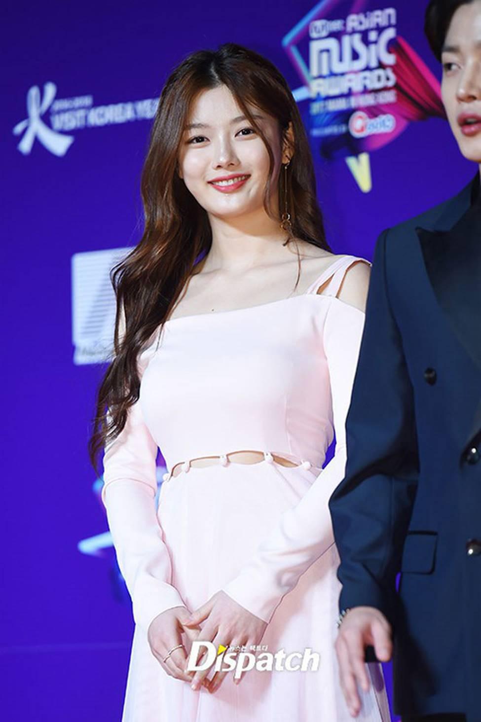 Vẻ đẹp xuất thần của cô gái 19 tuổi xinh nhất xứ Hàn-6