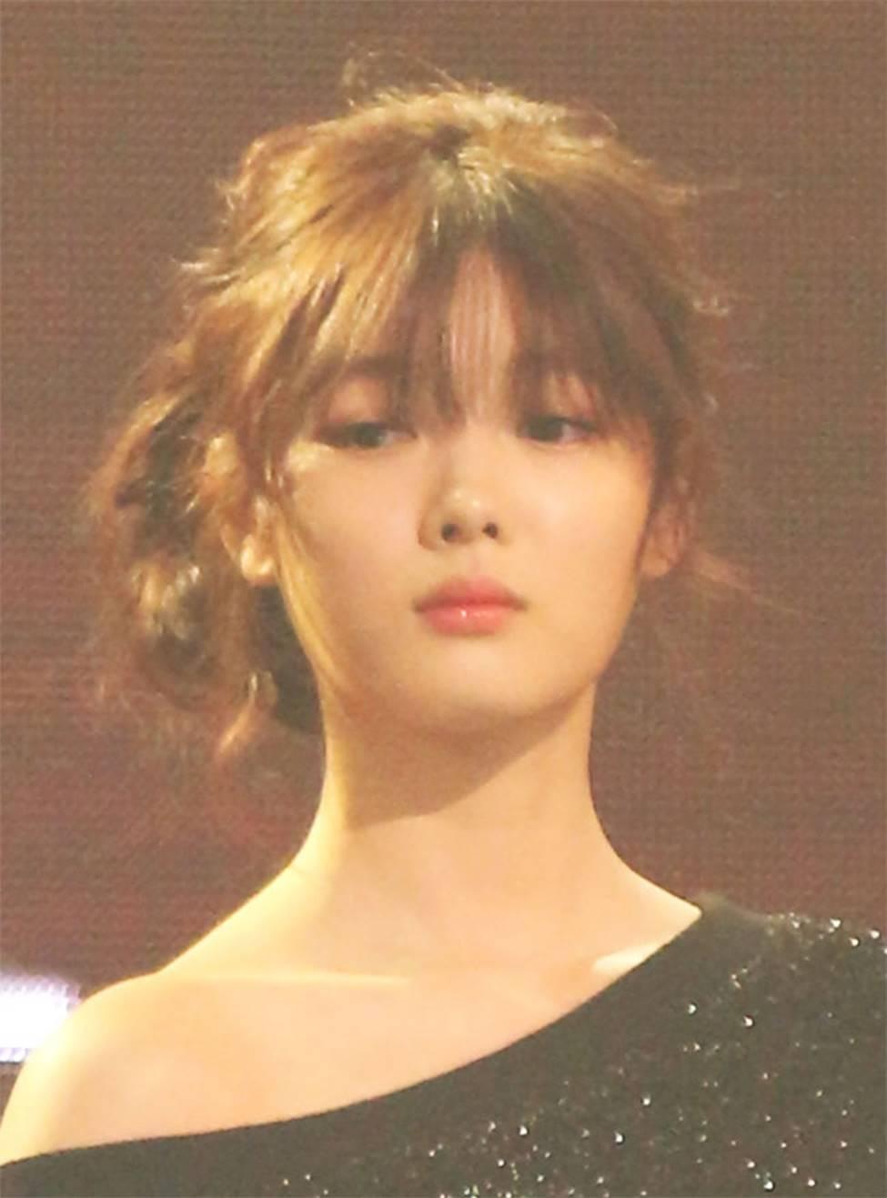 Vẻ đẹp xuất thần của cô gái 19 tuổi xinh nhất xứ Hàn-10