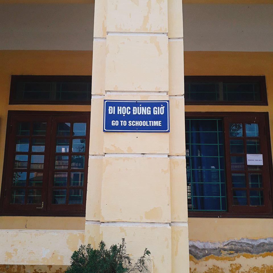 Tranh cãi khẩu hiệu Tiếng Anh được dịch bằng Google, sai bét nhè tại một trường học-2
