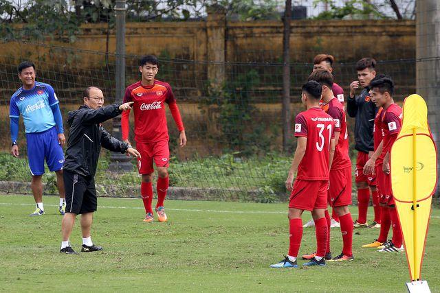 HLV Park Hang Seo và bài toán tiền vệ phòng ngự ở vòng loại U23 châu Á-1