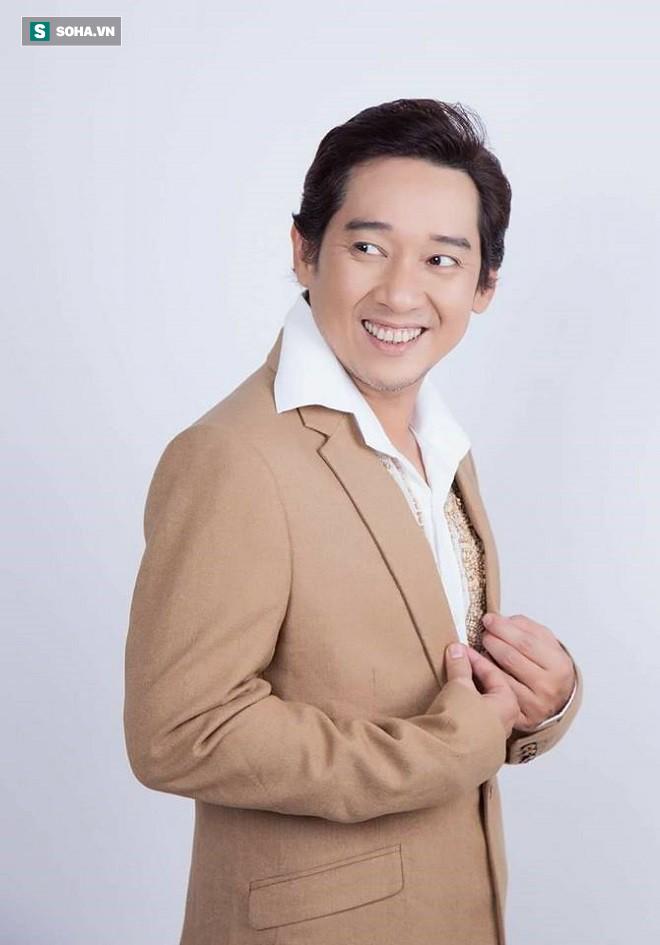 Nghệ sĩ Thái Quốc: Từ bỏ sự nghiệp đang lên, gần 15 năm chăm sóc cha tai biến, mẹ mất trí nhớ-5