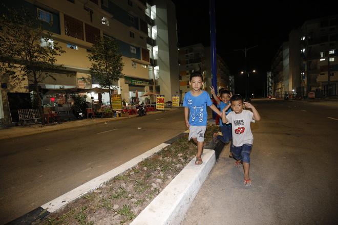 Cuộc sống 3 đứa trẻ có ba mẹ chết dưới bánh xe container giờ ra sao?-8