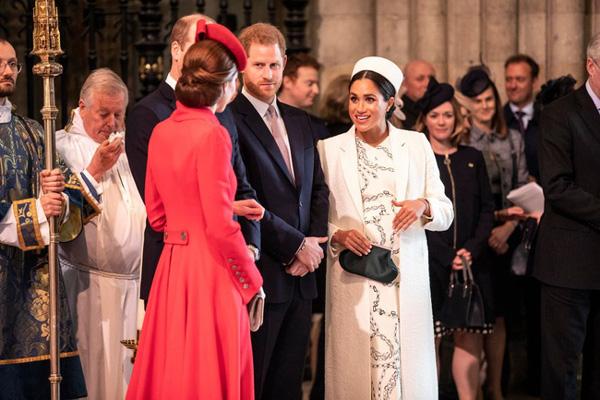 Hết thời liếc mắt nhìn mẹ chồng, Công nương Kate gây bất ngờ khi có khoảnh khắc chưa từng có với bà Camilla-2