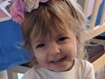 Kỳ lạ bé gái vừa chào đời đã có mái tóc đen rậm như người lớn-4