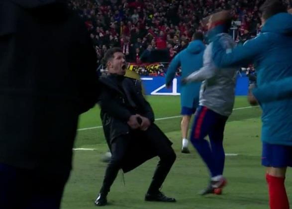 Ronaldo trước nguy cơ treo giò ở tứ kết Champions League-1