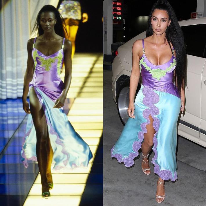 Kim Kardashian liên tiếp copy lại phong cách của Naomi Campbell nhưng lại đem đến ấn tượng hoàn toàn khác-1