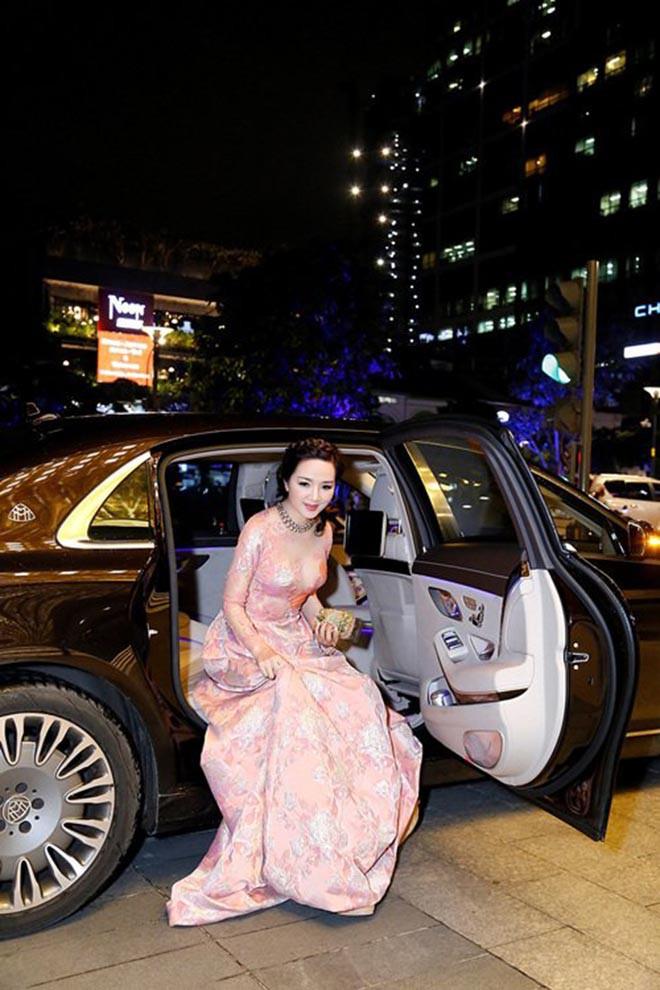 Từng là giai nhân của chủ tịch Tân Hoàng Minh, Hoa hậu không tuổi Giáng My giàu cỡ nào?-11