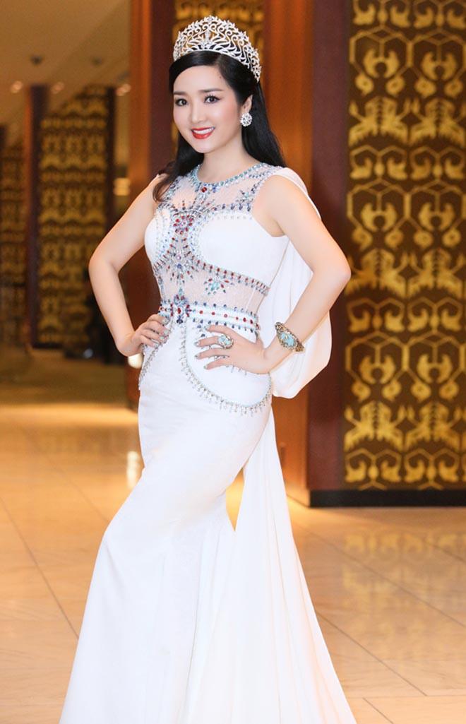 Từng là giai nhân của chủ tịch Tân Hoàng Minh, Hoa hậu không tuổi Giáng My giàu cỡ nào?-2